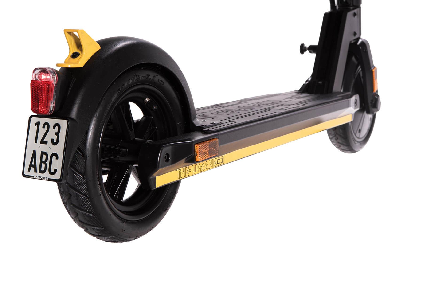 eScooter The Urban xC1 schwarz mit gelb Hinterreifen