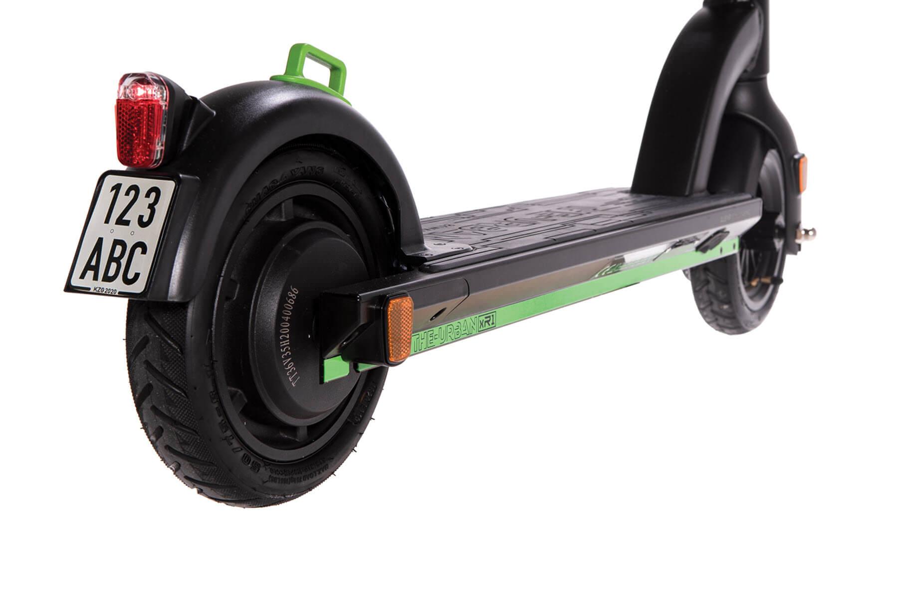 eScooter The Urban xR1 schwarz mit grün Hinterreifen