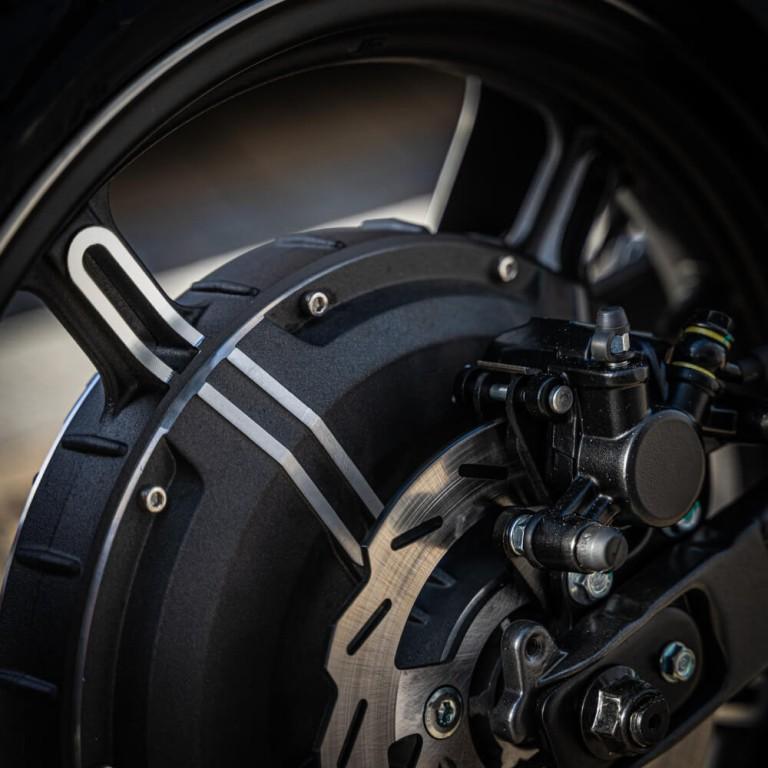 Reifen und Motor von Super Soco