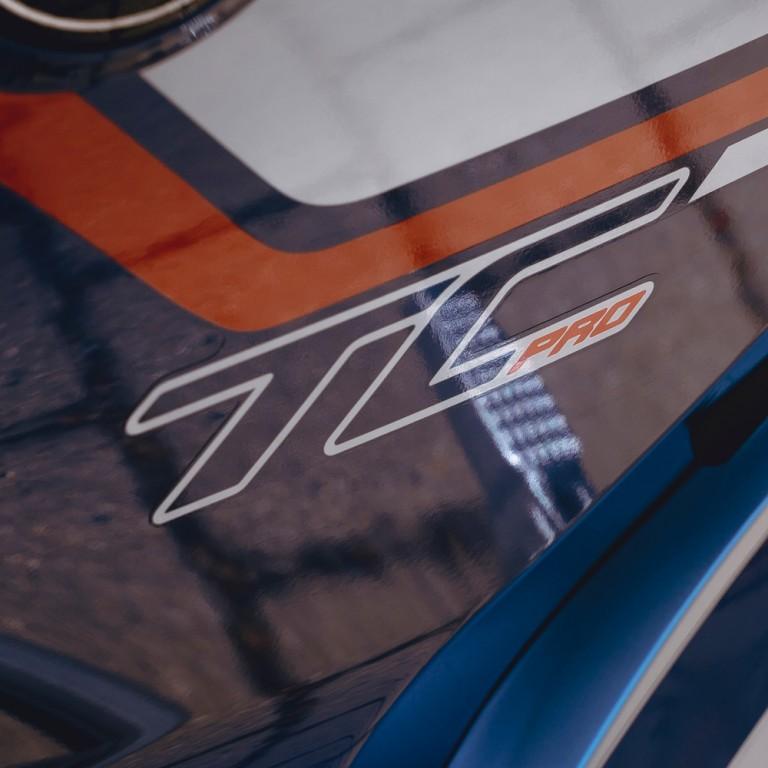 Schriftzug Super Soco TC Pro Blue Edition