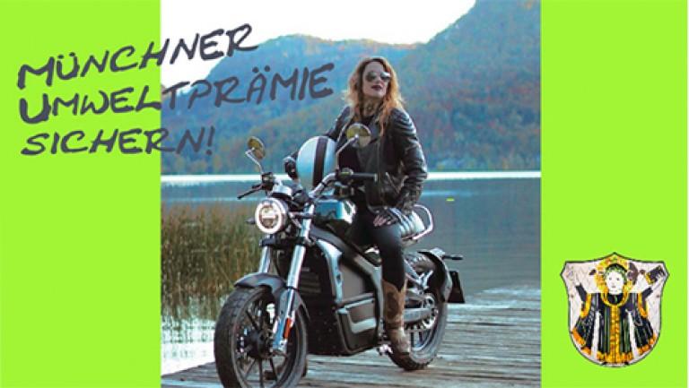 Frau auf Elektromotorrad Horwin für Umweltprämie München